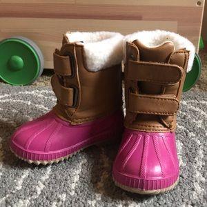 GAP duck boots!